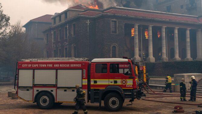Pożar w okolicy Góry Stołowej. Dobę trwała z nim walka