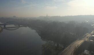 Czarne punkty na mapie. Smog dusi prawie cały Kraków