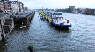 Podniesiony poziom wody na północy Niemiec (PAP/EPA/FOCKE STRANGMANN)