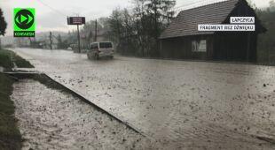 Deszcz zalał drogi